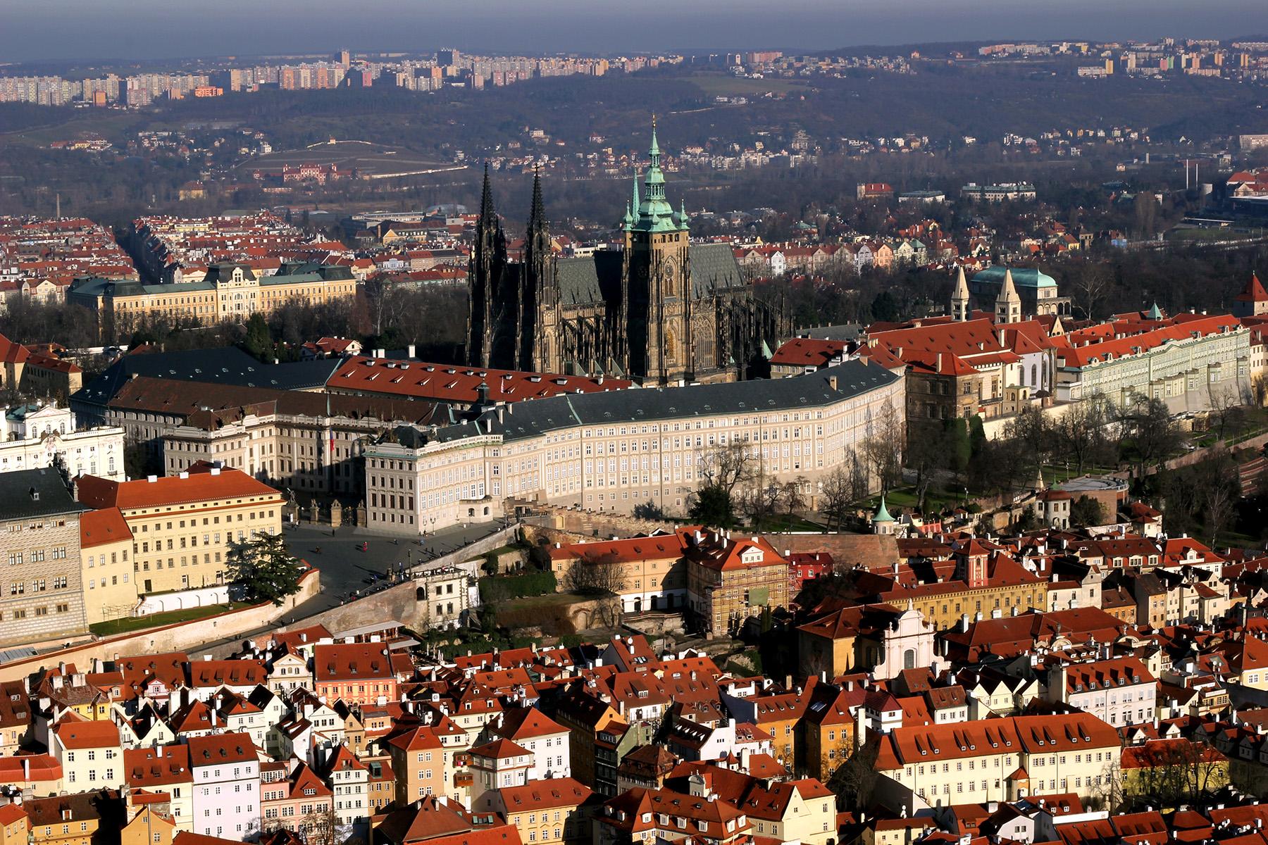 Собор святого Вита в Праге. Фотография в Петршинской обзорной башни.