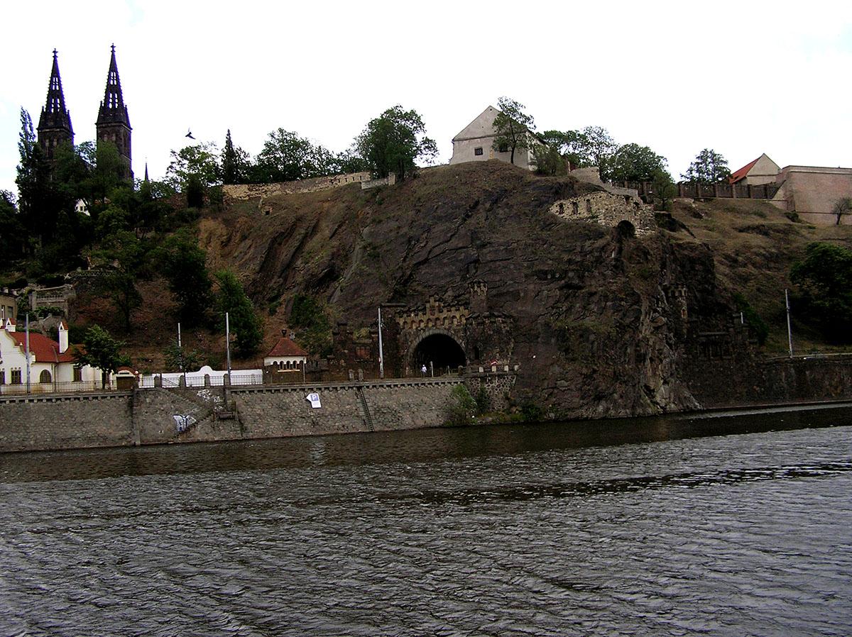 Вышеград с реки Влтава