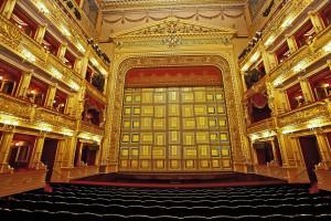 Внутренний интерьер Национального Театра в Праге (© Narodni Divadlo)