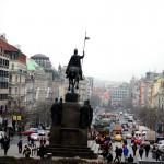 Вацлавская площадь — любимое место чехов.